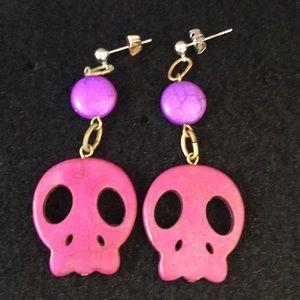 Vtg resin skull Halloween earrings